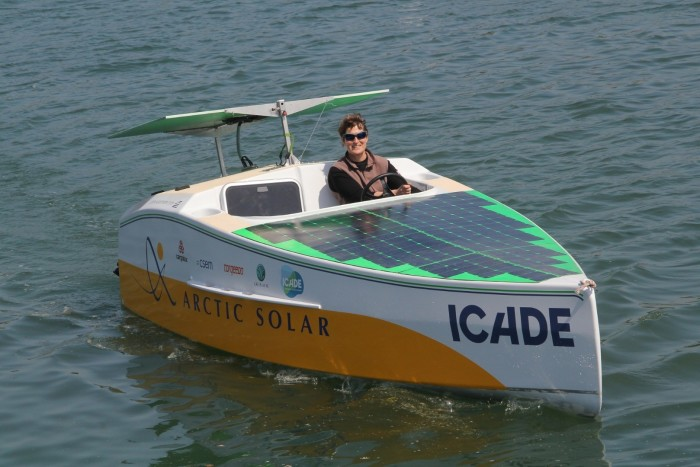 skippers_Arctic_Solar_3_Credit_photo_Ronan_Quemere-_libres_de_droits